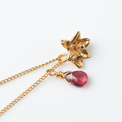 Sophie Lutz Jewellery Sex Necklace Orchid Gold